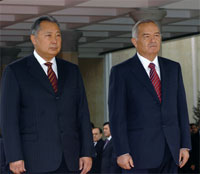 Kyrgyz President Kurmanbek Salievich Bakiev and Uzbek President Islam Karimov at a meeting in October of 2006.