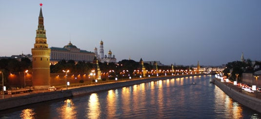 Moscow_river_night_garrett